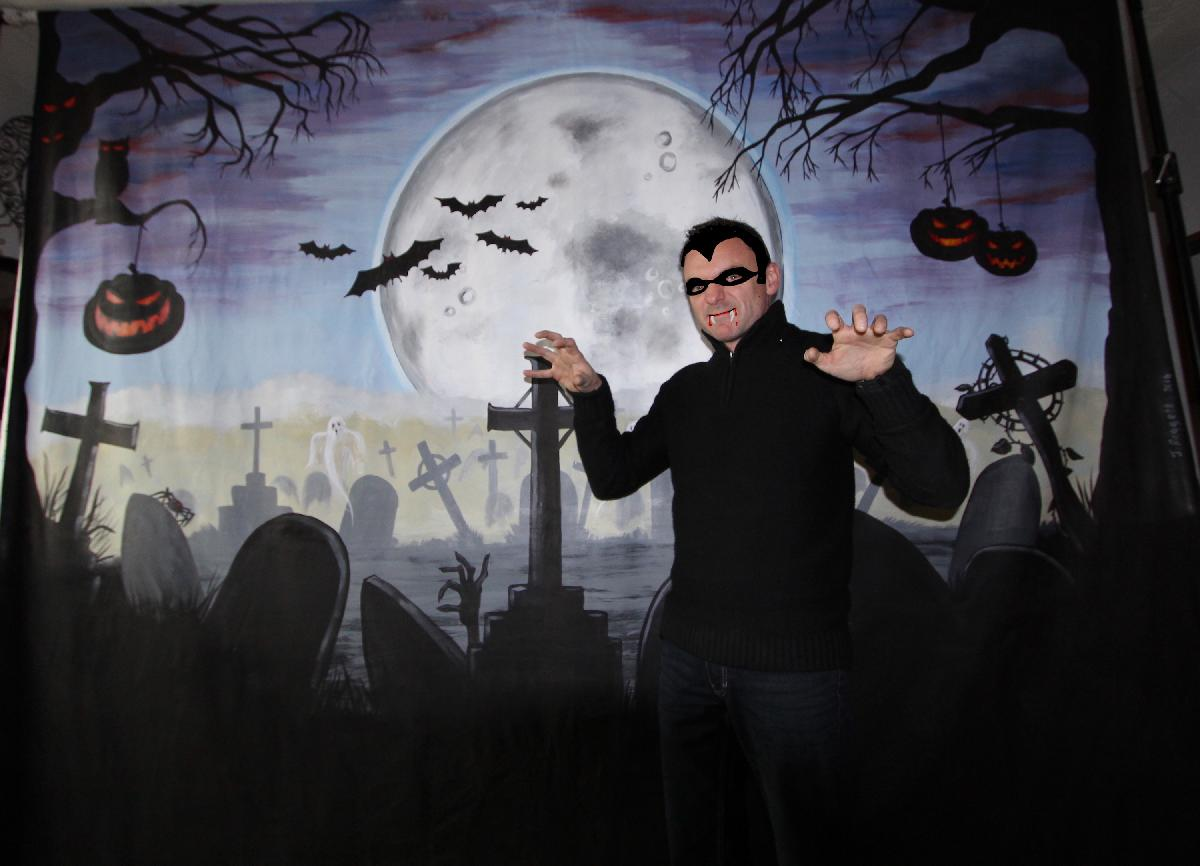 Horror / Halloween Photo backdrop for hire